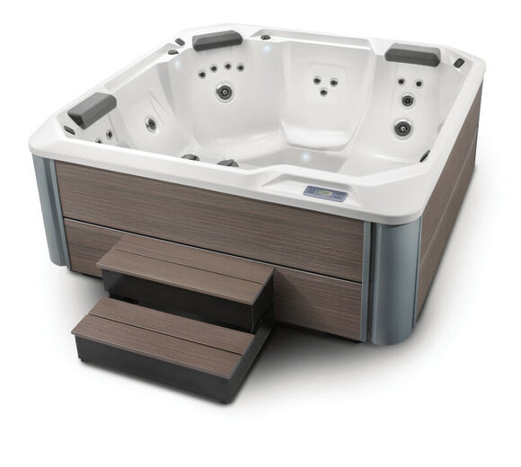 Hot Spring Hot Spot 2020 Pace Artic White Havanna Studio High Angle Steps